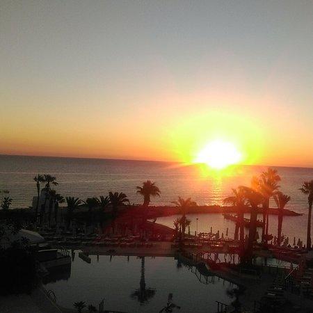 Golden Coast Beach Hotel : IMG_20180407_180031_750_large.jpg