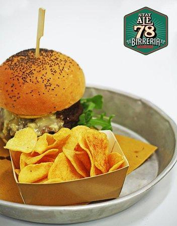 Colmurano, Italien: Hamburger Home made
