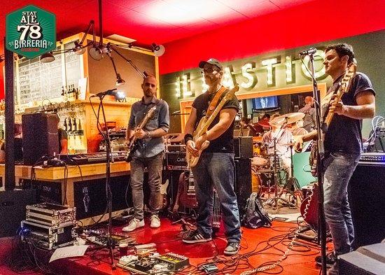 Colmurano, Italien: Live music