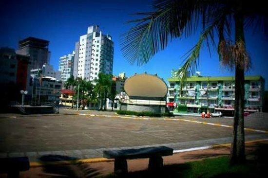 Itapema, SC: Praça da Paz