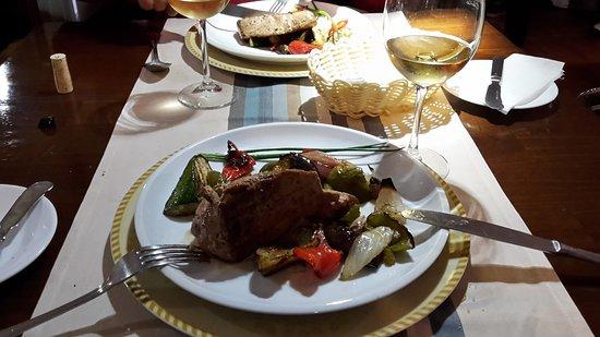 Angelica's: pavé de thon aux légumes poelés..