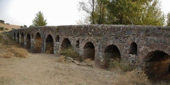 Ponte romana sobre a ribeira de Odivelas