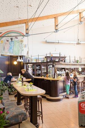 Malchin, Tyskland: Ob Café oder Restaurant, im Abend als Kneipe. Es gibt viele Anlässe für einen Ausflug nach Salem