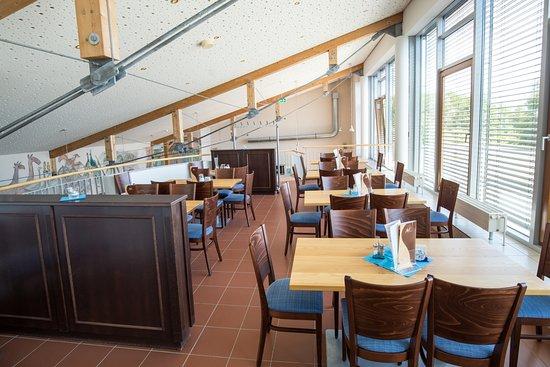 Malchin, Germany: Im oberen Bereich halten wir weitere Plätze für unsere Gäste bereit.
