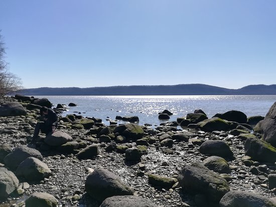Croton on Hudson, Нью-Йорк: 川辺まで降りるとこんな感じ。