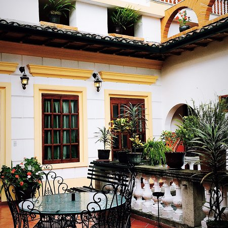 Picture of hotel san francisco de quito for Hotel design quito