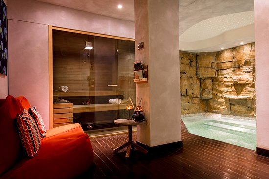 Laqua Charme & Boutique: Wellness Suite with massages