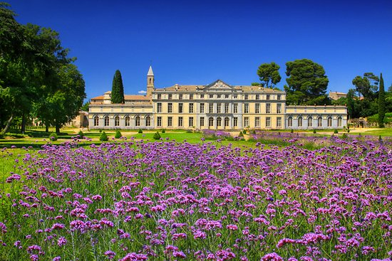 Toulouse, France : Little Versailles
