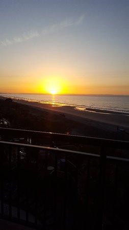 Beach Cove Resort: 20180406_070136_large.jpg