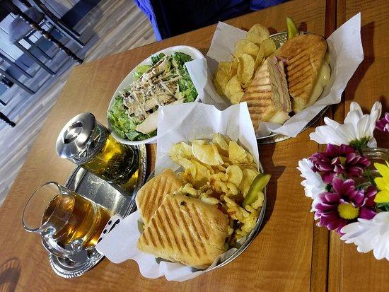 Eagle, Ουισκόνσιν: Our wonderful lunches!!