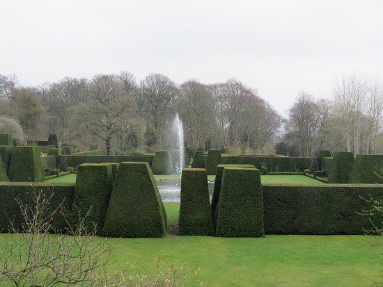 Renishaw, UK: The gardens