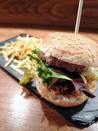 Taberna del Chato Canalejas: mini hamburguesa