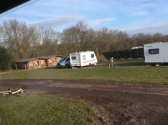 Great Oxendon, UK: Lots of full timers pitched up