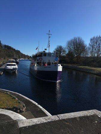 Croisière sur le Canal Calédonien, naviguez sur le Loch Ness et admirez le château d'Urquhart: Contemplation Cruise