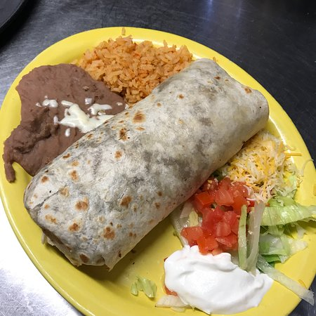 Monticello, IN: Catfish filtes, burritos, fried fish,