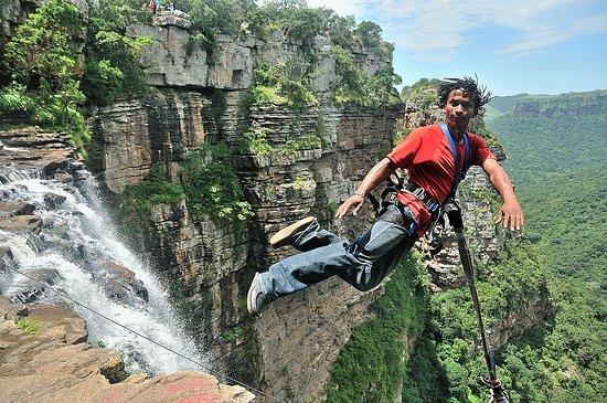 Port Shepstone, جنوب أفريقيا: Gorge Jump Action Shot