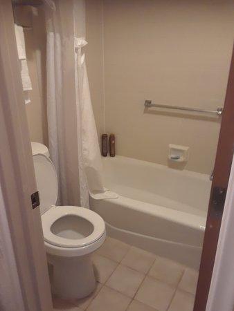 Sierra Suites: Room 126