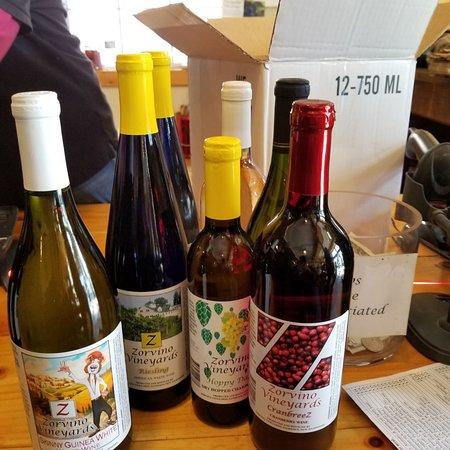 Sandown, นิวแฮมป์เชียร์: Some of my wine purchase