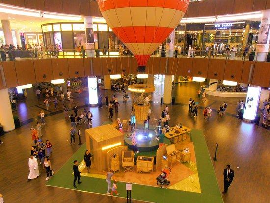 "The Dubai Mall: ""Дубай Молл"""
