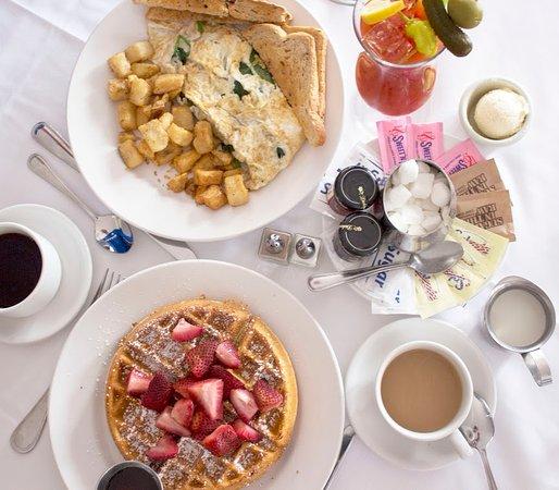 Hudson House Inn: Gourmet Breakfast