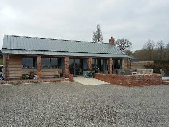 Ebrington, UK: Lunchtime visit.