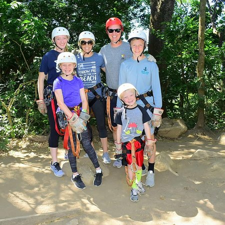 TPV Costa Rica: Ziplining that was safe for all ages in the family.
