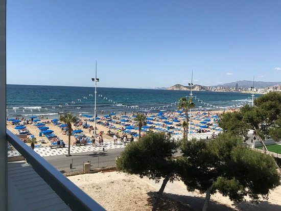 Hotel Brisa: View of beach from the hotel room