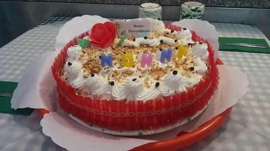 Bellissima torta fatta da zia 🌹