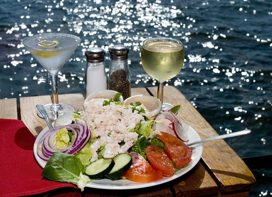 Sunny Isles Beach, FL: Terrace waterview dining