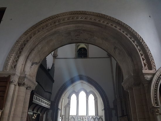 Castle Rising: Norman arch