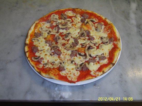 Portomaggiore, Италия: Una selle nostre tante Pizze