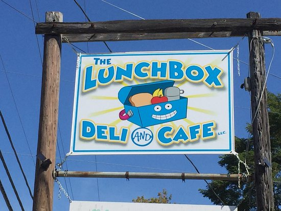 Fairlee, Вермонт: Lunchbox Deli & Cafe sign