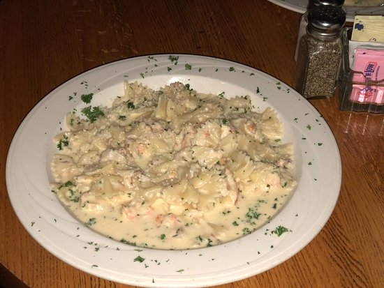 Tarentum, PA: Shrimp and Crab Alfredo