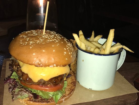 Cafe Manhattan: The burger... possibly the best thing left on the menu.