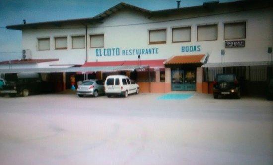 Urda, Hiszpania: Entrada e interior.