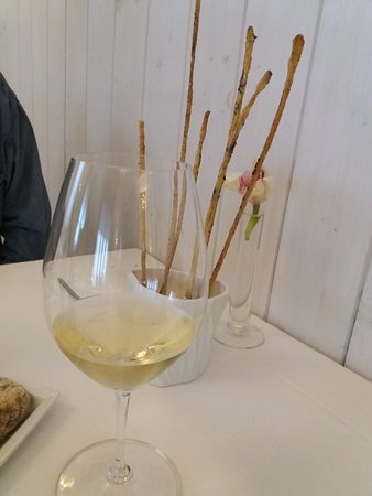 Wood Restaurant: 20180409_122127_large.jpg