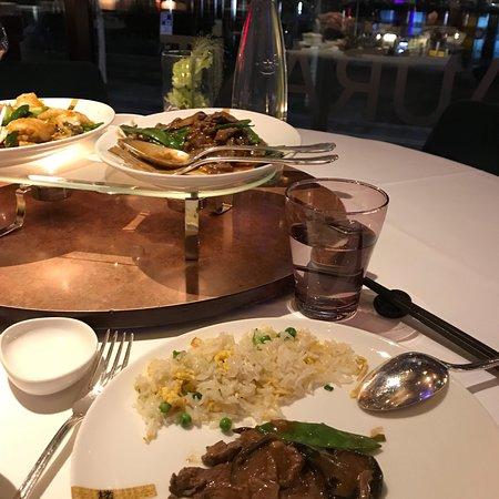 Tse Yang: Magnifique dîner sur le lac
