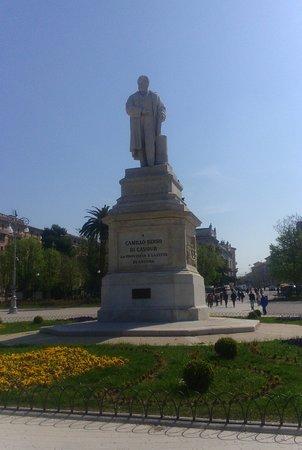 Statua di Camillo Benso di Cavour