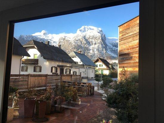 Abtenau, ออสเตรีย: die Aussicht beim Frühstück