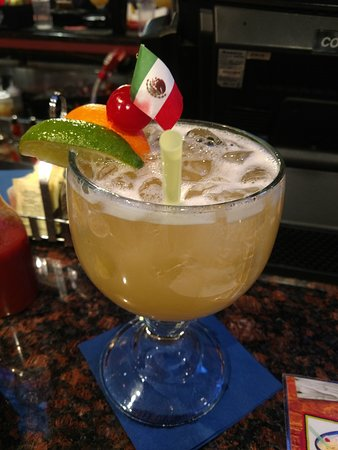 Northborough, MA: Large Margarita... Presidente