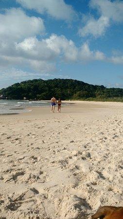 Praia De Quatro Ilhas: IMG_20180409_083657857_large.jpg