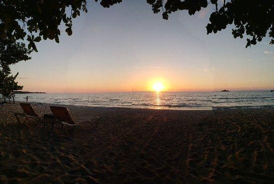 Grand Pineapple Beach Negril : 20180405_181935_Pano_large.jpg