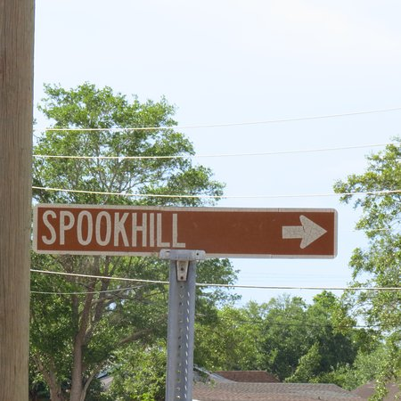 Spook Hill: Sign
