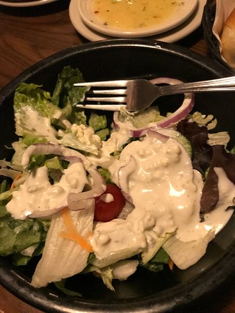 Fairhaven, MA: Excellent blue cheese dressing