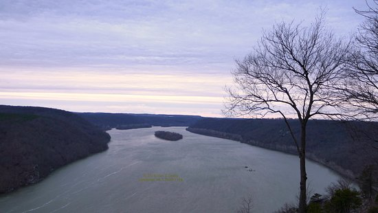 Holtwood, PA: Looking upstream toward Lower Bear Island shortly after sunrise.