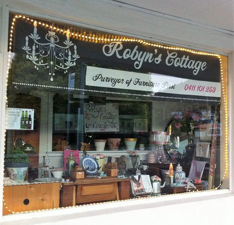 New Norfolk, Australia: Shop front