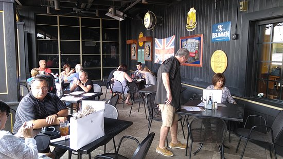 The Pub at International Plaza: Upstairs patio. Nice.