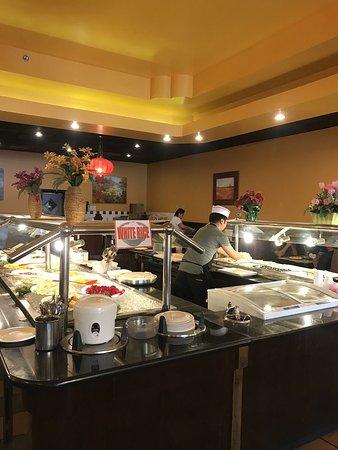 Garden Buffet: sushi area