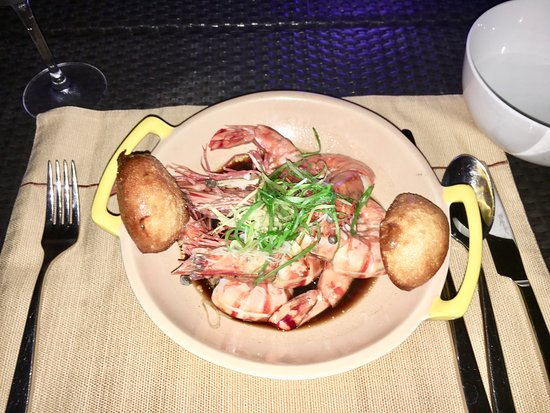 Solana at Shangri-La's Boracay Resort and Spa: king prawns