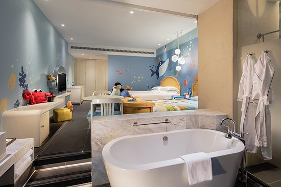 Hilton Sanya Yalong Bay Resort & Spa: 豪华家庭房——海洋系列